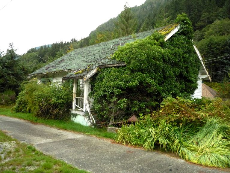 Photo of: Abandoned house in Ocean Falls
